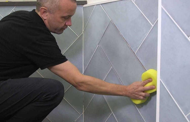surface polishing with sponge